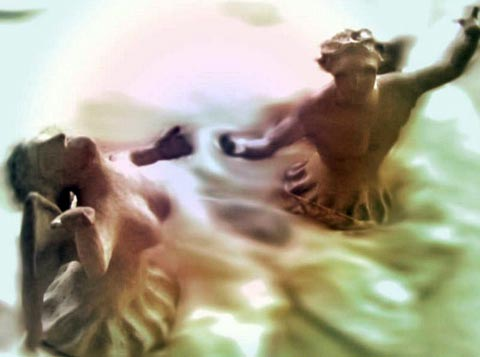 Anjos de uma só asa, se elevando ao seu na união de suas forças.